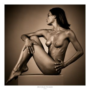 Fine Art Photographer Vienna - Nude Dancer Sits On Box