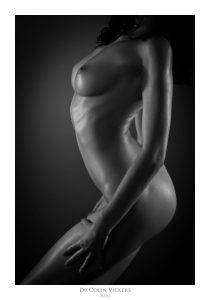 Fine Art Nude Photographer Vienna - Curvy Nude Model In Abstract Pose