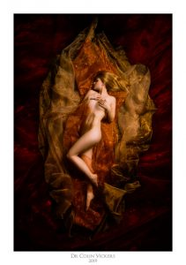 Fine Art Nude Photographer Vienna - Artistic Nude Woman Sleeping Surrounded by fabric